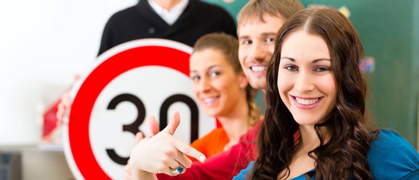 imatge alumnes de l'autoescola olimpica
